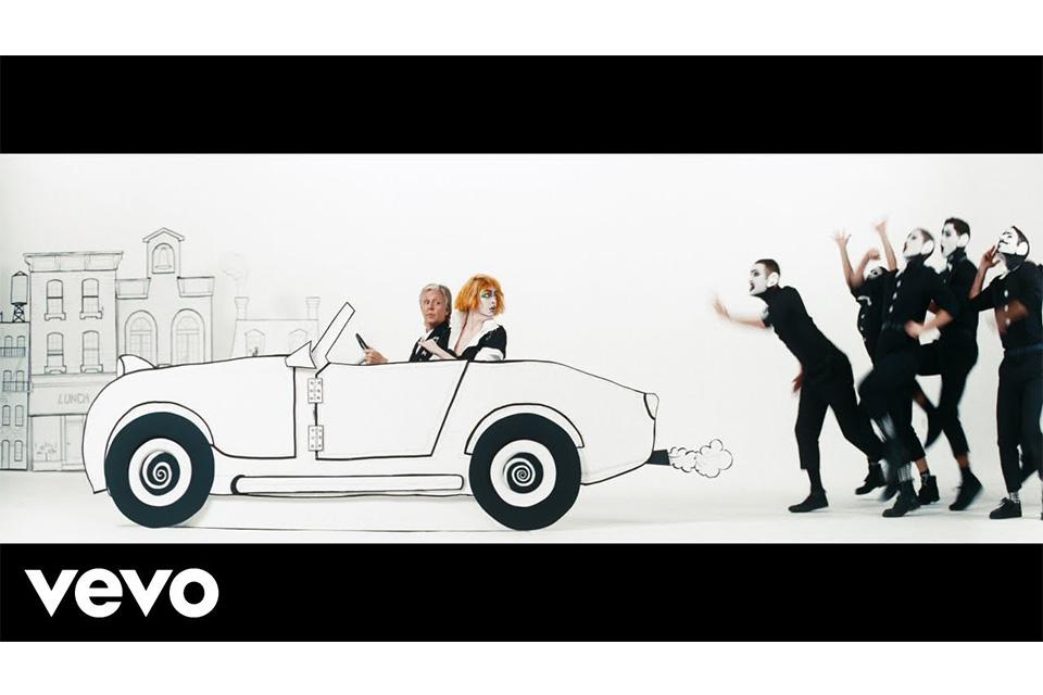 ポール・マッカートニーがエマ・ストーンを起用した「Who Cares」のミュージック・ビデオを公開