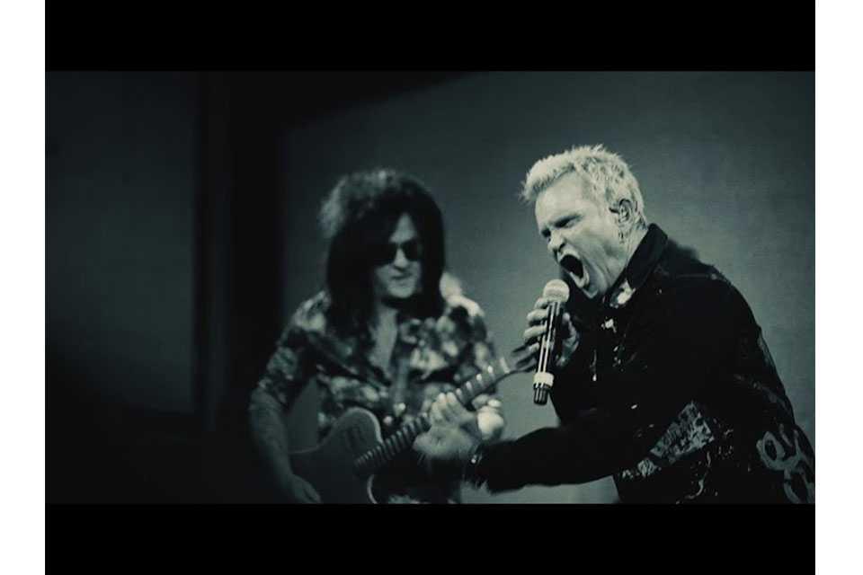 ビリー・アイドルとスティーヴ・スティーヴンスがデュオで北米ツアー
