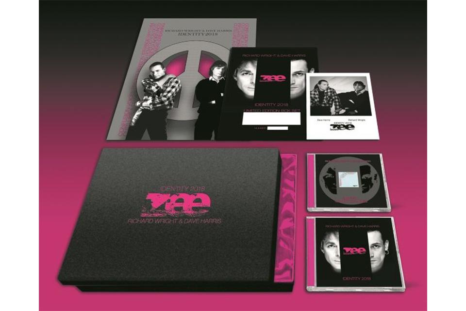 リチャード・ライトとディー・ハリスによる一度限りのコラボ・アルバム『Identity』がボックスセットで発売