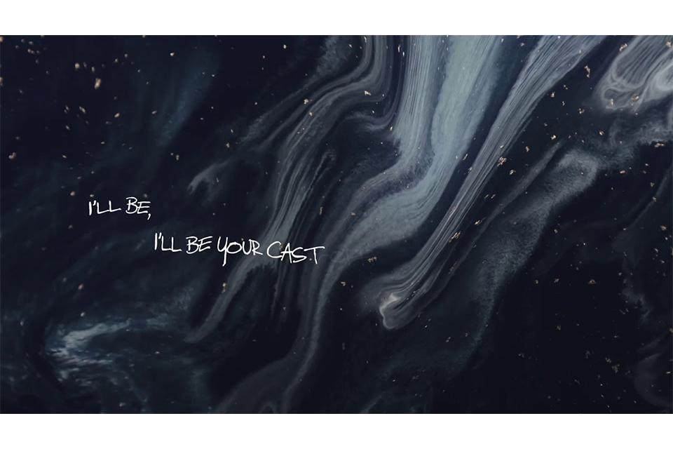 ブルース・ホーンズビーがセカンド・シングル「Cast-Off」のリリック・ビデオを公開
