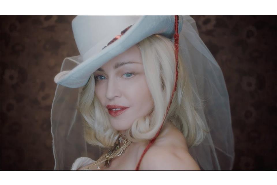マドンナのニュー・アルバム、タイトルは『マダムX』