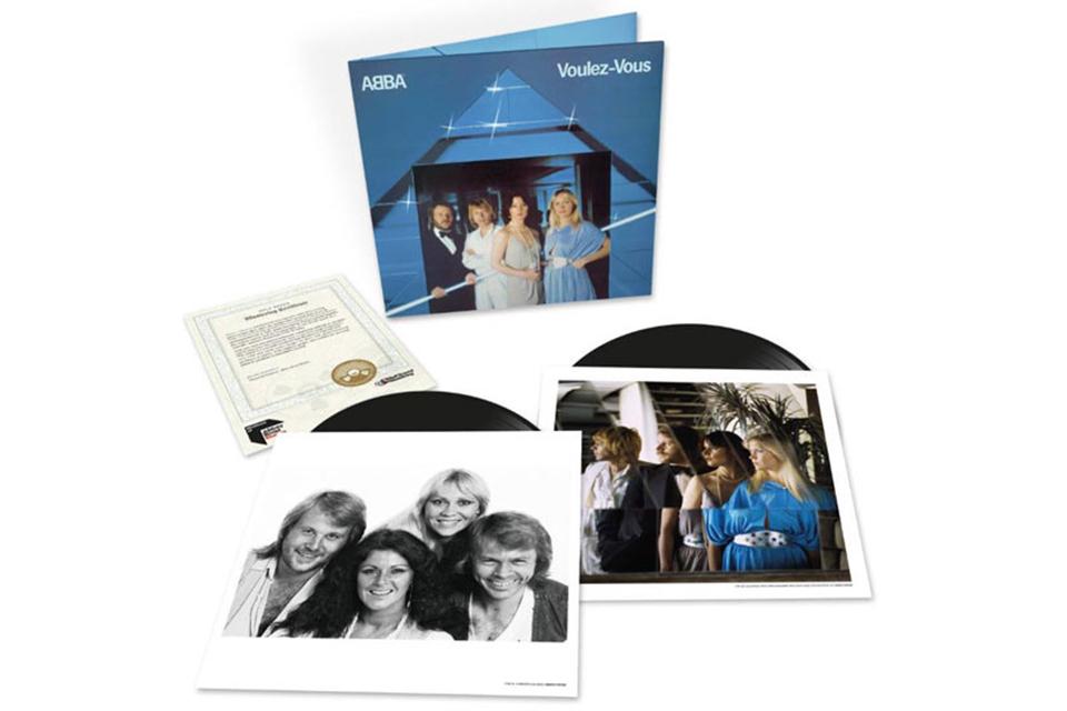 ABBA『Voulez-Vous(ヴーレ・ヴー)』の2枚組LPと、シングル7タイトルを収録したボックスセットが発売