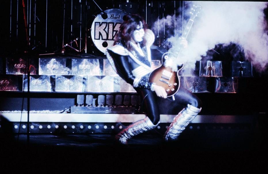 エース・フレーリーがジーン・シモンズのオーストラリア・ツアーに参加