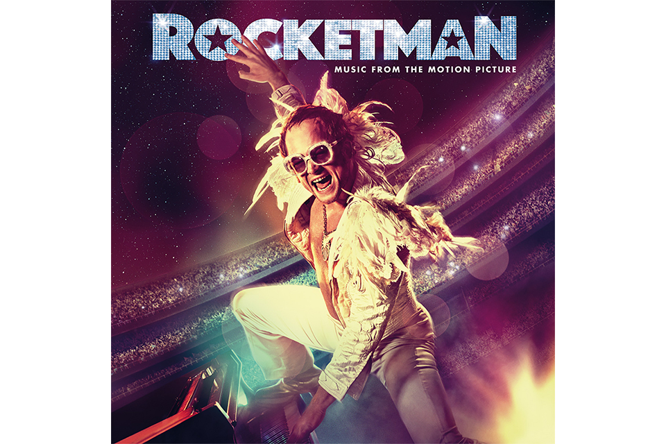 エルトン・ジョンの半生を映画化した『ロケットマン』、サントラ本日発売。映画レビューは大絶賛、ボーイ・ジョージは「圧倒的に素晴らしい」!