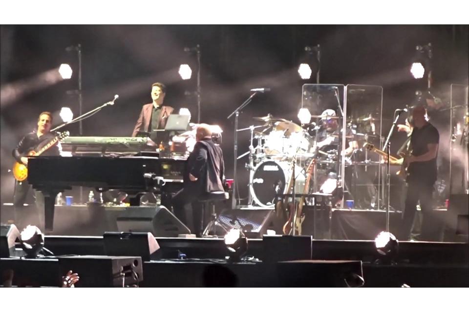 ビリー・ジョエルとジェイソン・ボーナムがツェッペリンの曲で共演