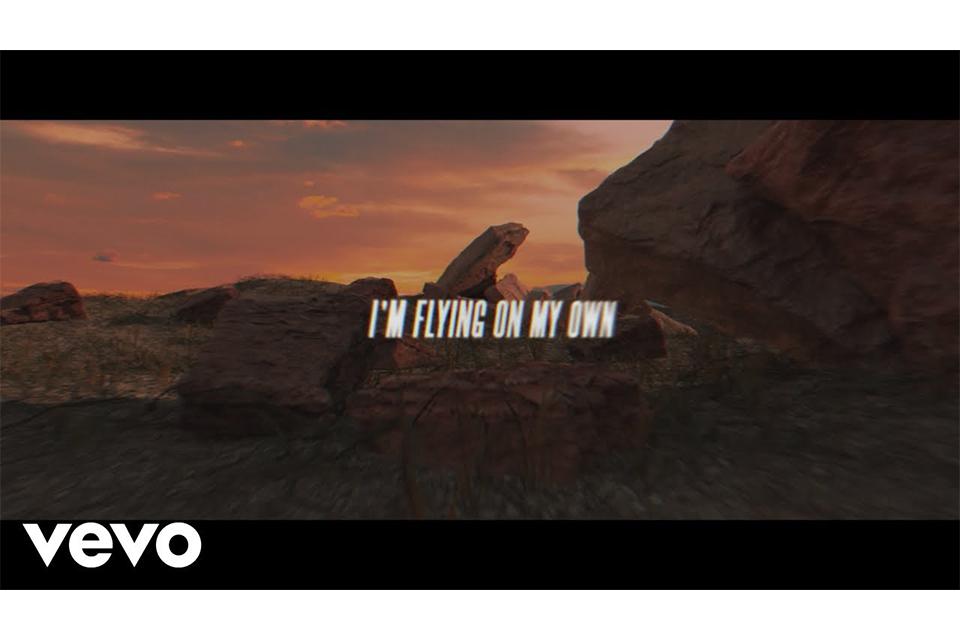 セリーヌ・ディオンがニュー・アルバムから新曲「Flying On My Own」をリリース