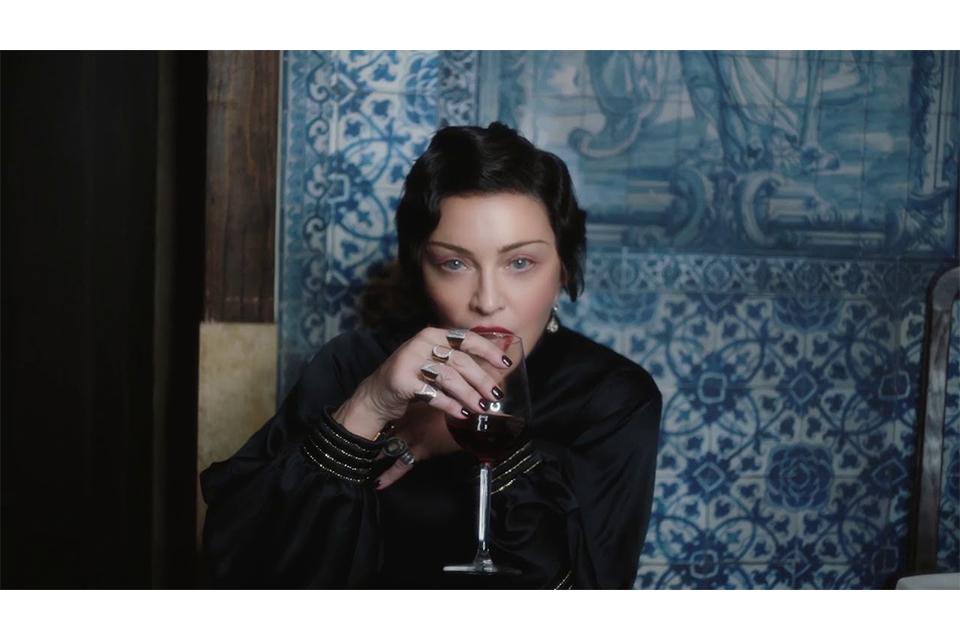 マドンナが短編ドキュメンタリー『ワールド・オブ・マダムX』のトレーラーを公開