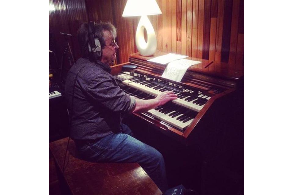 元キンクスのキーボーディスト、イアン・ギボンズが67歳で死去