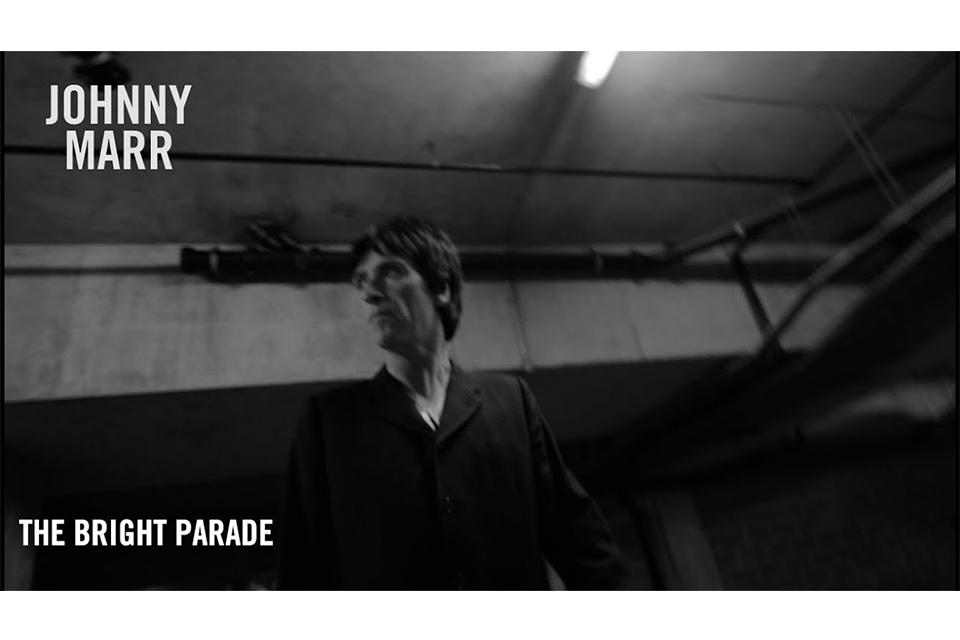 ジョニー・マーが「The Bright Parade」のミュージック・ビデオをリリース