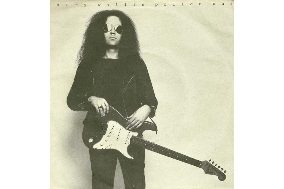 モーターヘッドの初代ギタリスト、ラリー・ウォリスが70歳で死去