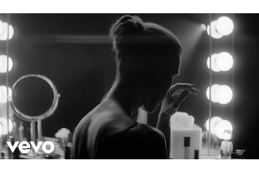 セリーヌ・ディオンが新曲「Imperfections」のミュージック・ビデオを公開