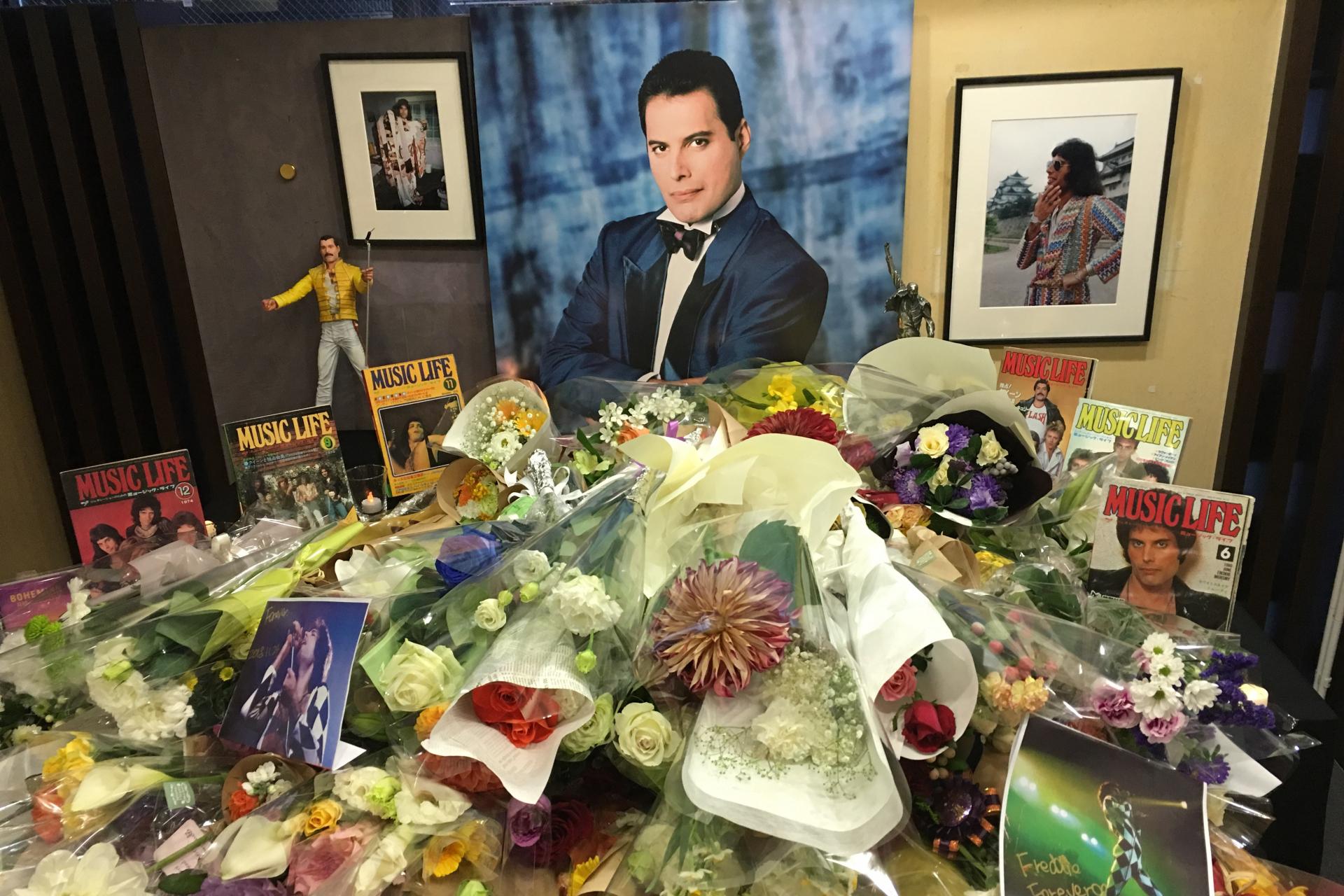 フレディの命日11月24日(日)、今年もシンコーミュージックのイベント・スペースにて追悼献花式を開催(11/19追記)
