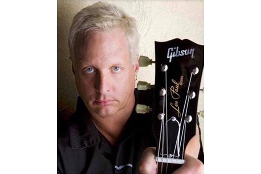 デヴィッド・リー・ロス・バンドの元ギタリスト、バート・ウォルシュが56歳で死去
