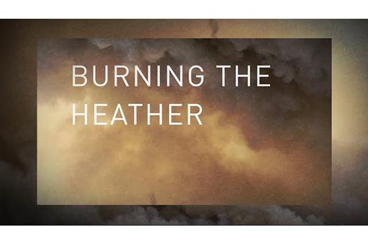 ペット・ショップ・ボーイズ、新曲「Burning the Heather」のリリック・ビデオ公開