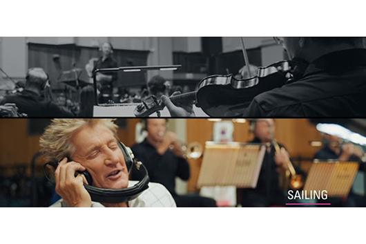 ロッド・スチュワート、管弦楽団とのライヴ盤発売。日本のファンへのコメント、「胸につのる想い」のMVも到着