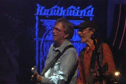 エリック・クラプトンがホークウィンドの公演にゲスト出演 ライヴ映像公開