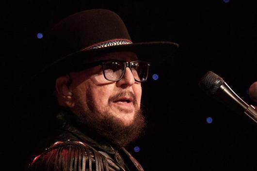 ザ・バンドやボニー・レイットのコラボレーター、マーティ・グレブが74歳で死去