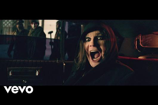 オジー・オズボーンの「Straight To Hell」、ミュージック・ビデオ公開