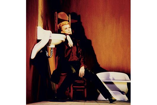 6週連続で公開されるデヴィッド・ボウイのストリーミング限定EP『Is It Any Wonder?』から、3曲目の未発表曲が配信開始!