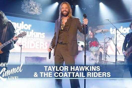 テイラー・ホーキンズ&ザ・コートテイル・ライダーズ、米TV番組のライヴ映像公開