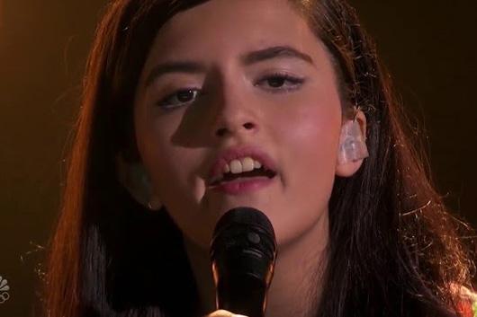 クイーンもビックリ! 13歳の歌手が「ボヘミアン・ラプソディ」をカヴァー 映像公開