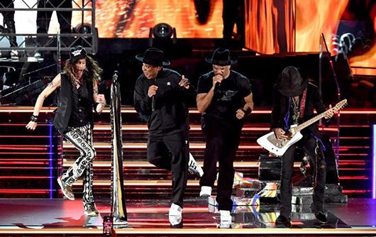 エアロスミス、グラミー賞授賞式でRun D.M.C.と「Walk This Way」を共演