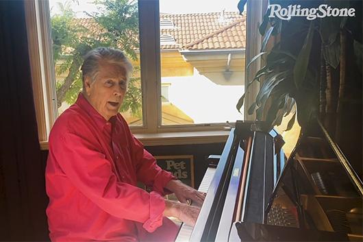 ミュージシャンの自宅演奏を配信する「In My Room」シリーズ、ブライアン・ウィルソンの映像公開