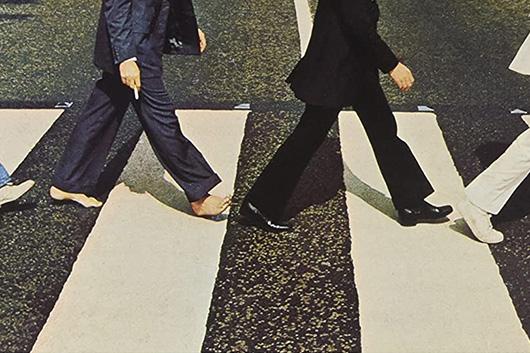 「アビー・ロード」の横断歩道に再塗装