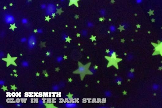 ロン・セクスミス、4/17発売の新作『エルミタージュ』より、5本目となるMV「Glow In The Dark Stars」を公開