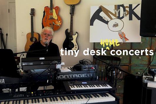 マイケル・マクドナルド、自宅で撮影した「Tiny Desk Concert」のパフォーマンス映像公開
