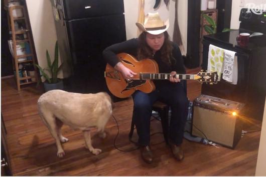 ミュージシャンの自宅演奏を配信する「In My Room」シリーズ、マーカス・キングの映像公開