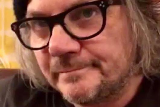 ジェフ・トゥイーディー、ジョン・プラインの「Please Don't Bury Me」をカヴァー