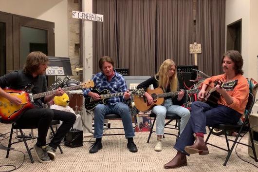 ジョン・フォガティのファミリー・バンド、「Lodi」のパフォーマンス映像公開
