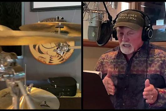 ビーチ・ボーイズのマイク・ラヴ、新曲「This Too Shall Pass」のヴァーチャル・セッション映像公開