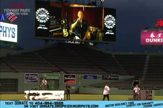 ブルース・スプリングスティーン、ドロップキック・マーフィーズの無観客スタジアム公演にリモートでゲスト出演