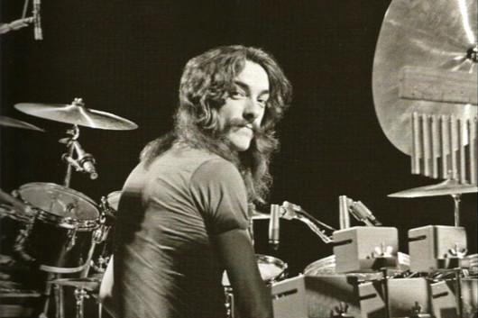 ラッシュのアレックス・ライフソン、「ニールが亡くなってからギターを弾く気がしない」