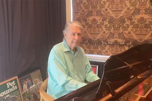 ブライアン・ウィルソン、自宅で演奏した「Love and Mercy」の映像公開