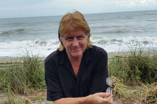 元UFOのギタリスト、ポール・チャップマンが66歳の誕生日に死去