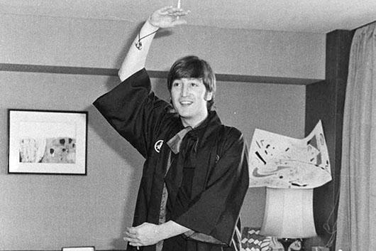 【ビートルズ来日週間特集/ミュージック・ライフ写真館】1966年日本公演・最終日。ステージを前に、遂に独占取材に成功!【その時『ミュージック・ライフ』は】