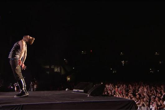 クイーン+アダム・ランバート、SUMMER SONIC 2014で披露した「ボーン・トゥ・ラヴ・ユー」ライヴ映像が公開!