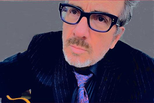 エルヴィス・コステロ、新作『ヘイ・クロックフェイス』から先行トラック「ニュースペーパー・ペイン」がMVと共に解禁
