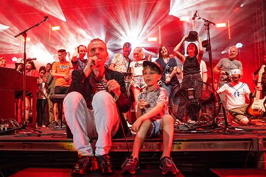 グラスゴーを代表するバンド、ベル・アンド・セバスチャン、世界中のファンが熱望して止まなかった ベルセバ2枚組ライヴ・ベスト発売決定!!