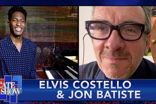 エルヴィス・コステロ、米TV番組でリモート・パフォーマンスを披露