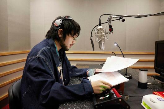 11/21(土)21時よりNHK BSプレミアムで放送されるジョン&ヨーコ「ダブル・ファンタジー展」特集番組、ナレーションにはKing Gnuの井口理。NHK総合でも60分版が放映決定