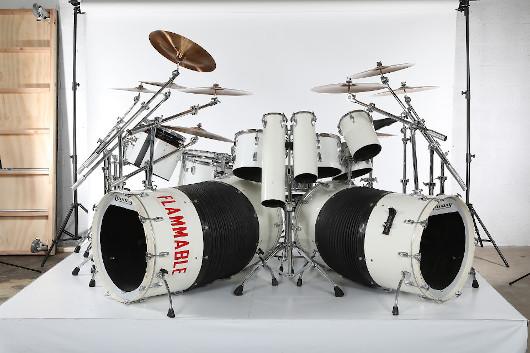 アレックス・ヴァン・ヘイレンが1980年に使用したドラム・セット、$275,000でセールに