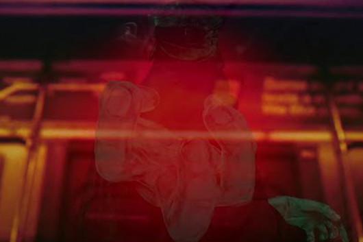 映画監督兼ミュージシャンのジョン・カーペンター、2/10発売のニュー・アルバムより「Alive After Death」のビデオを公開