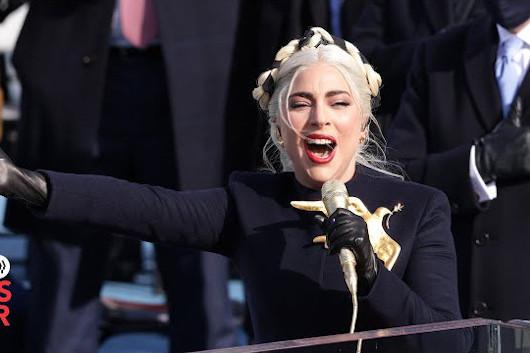 レディー・ガガ、バイデン新大統領就任式で国歌を熱唱