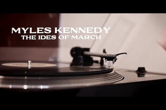 マイルス・ケネディ、新ソロ・アルバムからタイトル曲「The Ides Of March」のMV公開