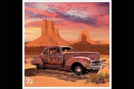 ミッキー・ドレンツ、新作『Dolenz Sings Nesmith』から「Different Drum」と「Propinquity」のプロモーション・ビデオ公開