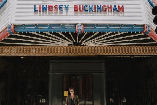 リンジー・バッキンガム「ポップなアルバムを作ろうとしていたんだけど、ちょこっと寄り道をして、アートな楽曲も入れたかったんだ」